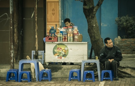 Street Tea - Many of these to be seen. I liked the symetry of this place. A young owner :)