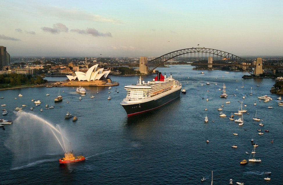 Queen Mary 2_16499 - Sydney Harbour, Australia