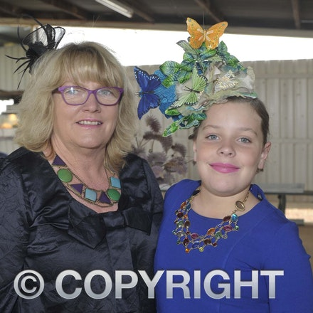 161022_SR20239 - At the 2016 Isisford Races