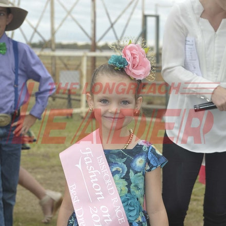 161022_SR20288 - At the 2016 Isisford Races